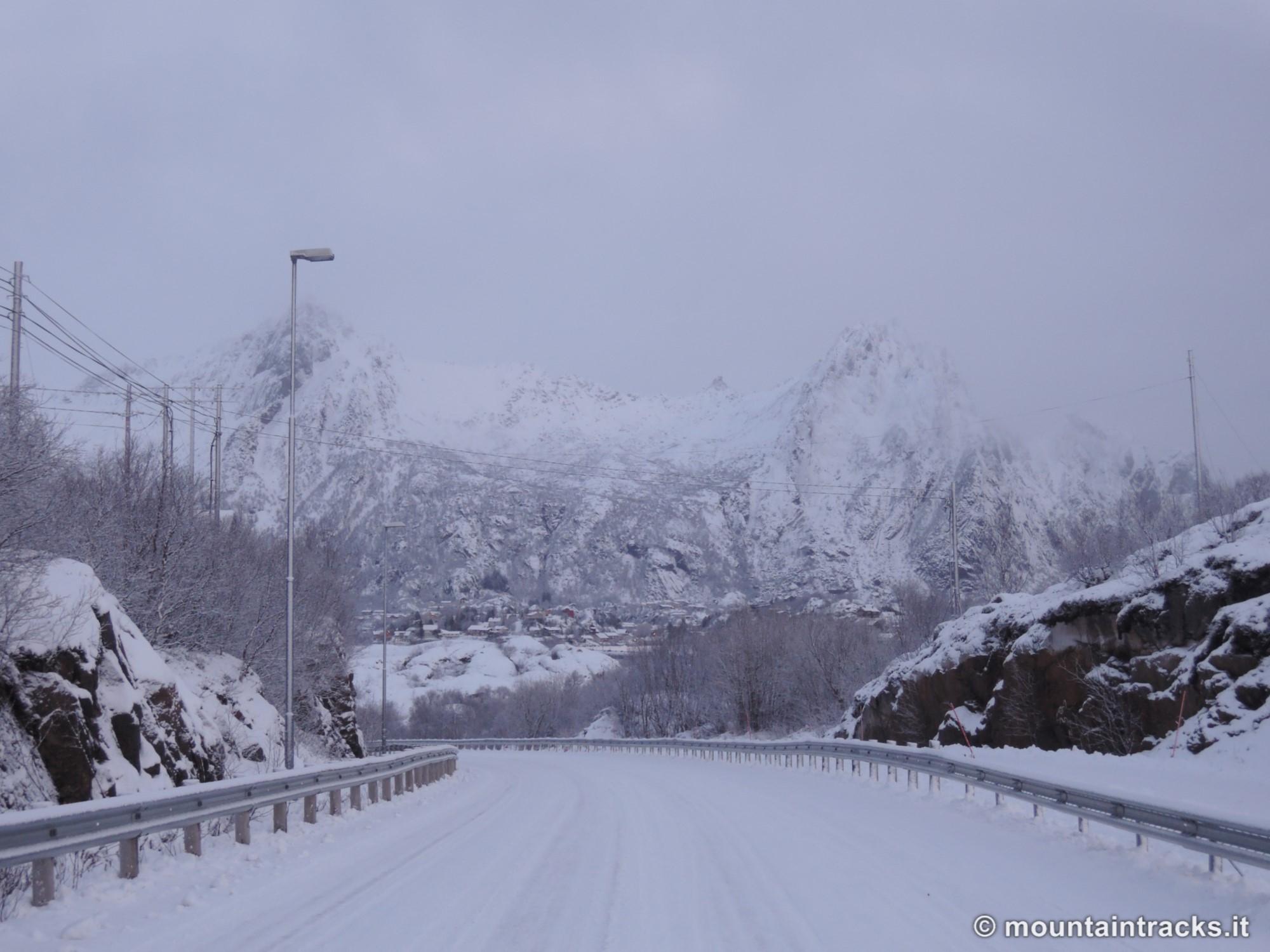 E10 road