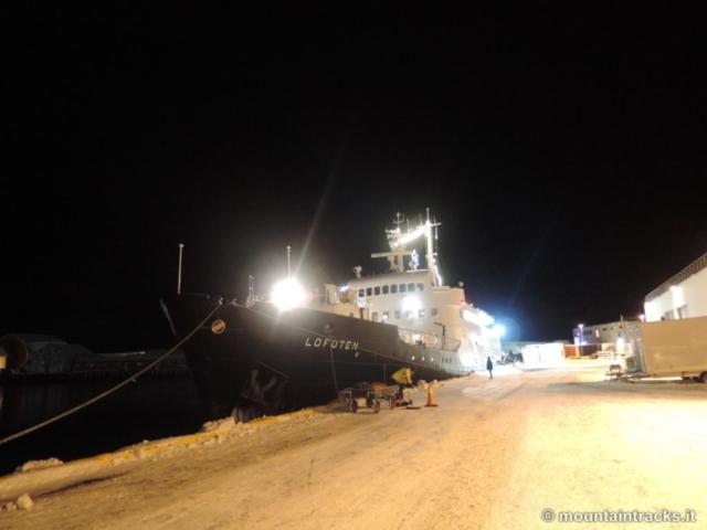 Hurtigruten, Lofoten, boat